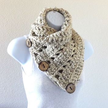 Crochet chunky buttoned neck warmer with three natural coconut shell buttons, chunky buttoned scarf