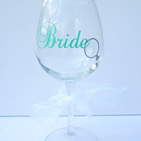 Bride Wine Glass / Wedding Gift / Engagement Gift / Bridal Shower Gift / Bride to Be / Future Mrs. / Personalized Wine Glass