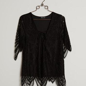 BKE BOUTIQUE EYELASH LACE TOP