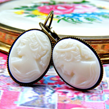 Vintage Cameo Earrings, Antique Cream Cameo, Milk Glass Vintage Earrings, Repurposed Vintage Dangle Earrings, Vintage Jewelry, Jewellery