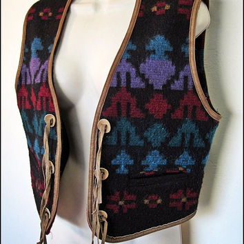 Vintage WOOLRICH Wool INDIAN Blanket SOUTHWESTERN Leather Fringe Trim Vest