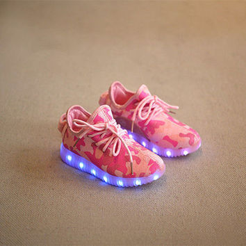 2016 autumn LED new kids light shoes boys and girls camouflage sport light shoes kids Breathable Fashion light up shoes