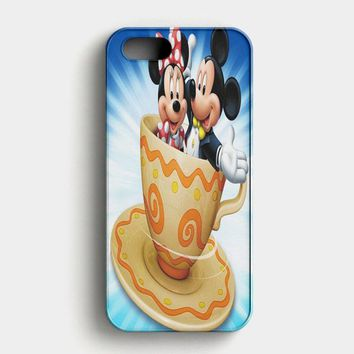 Mickey Mouse And Minnie Mouse Chirtmas iPhone SE Case
