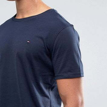 Tommy Hilfiger Flag Icon T-Shirt In Organic Cotton In Navy at asos.com