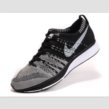 NIKE woven casual shoes running shoes Black and white