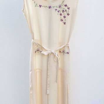 Vintage 1930s Embroidered Water Crepe Sleeveless by landmvintage