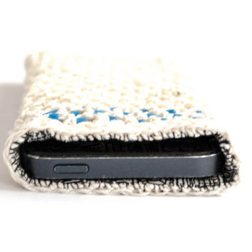 Crocheted white Iphone 5s case, Iphone 5 case, crochet iphone 5 cover, Iphone 5s sleeve, iphone 5s accessories,gift idea,handmade, spring