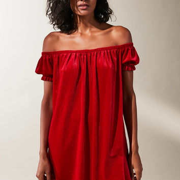 UO Off-The-Shoulder Velvet Dress | Urban Outfitters