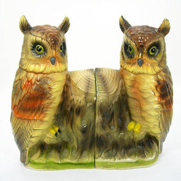 "Horned Owls Bookends - Wales Painted Ceramic - 8-1/2"" Tall - Made in Japan - Midcentury Vintage 1950s Era Home Decor - Chippy Paint"