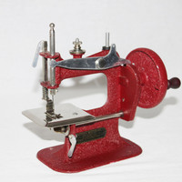 Vintage 1940s Stitch Mistress Childs Sewing Machine,