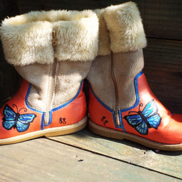 Handpainted Girls Boots..Butterflies and Flowers..Size 11M..Upcycled Oshkosh..Warm Style..Fur Cuff..For your LIttle Fairy Princess