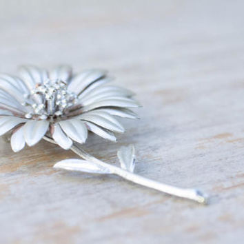 Vintage Flower Pin, Silver Daisy Brooch, Retro Fashion Jewelry, Black Eye Susan,