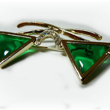Hollycraft Sunglasses Brooch with Green Triangular Lenses and Rhinestones (1950-60)