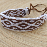 weaving bracelet, table weave woven wrist band, weaved white brown boho bracalet, patterned ethic braclet, colorful wrist cuff, handmade