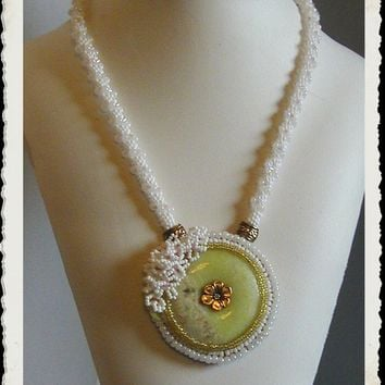 Elegant Yellow Serpentine Jade Bead Embroidered Statement Necklace