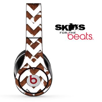 Real Giraffe and White Chevron Pattern Skin for the Beats by Dre Solo, Studio, Wireless, Pro or Mixr