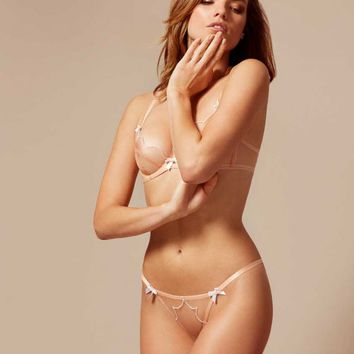 Lorna Thong Nude And White