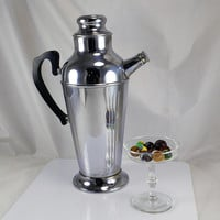 Martini Cocktail Shaker - Art Deco Chrome Plated w/ Screw Cap Spout - Mid Century Bar