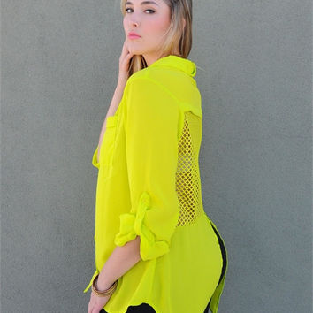 TRENDY LIME TOP