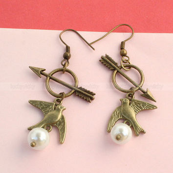 Mockingjay earrings-Peeta's Pearl,Arrow Earrings----Hunger Games Katniss Everdeen Girl on Fire Earrings