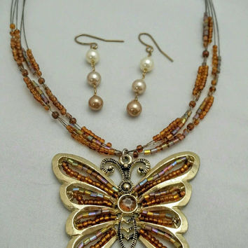 Vintage Amber & Brown Toned Seed Bead Butterfly Pendant Necklace (plus free pair earrings)!  Boho Chic / Retro Chic / Casual / Sweet Necklac