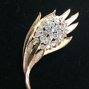 Crown Trifari Floral Brooch Pin Crystal Rhinestone Flower Bud Etched Gold Tone Setting Vintage Bridal Wedding Jewelry 418
