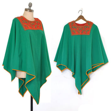 25% OFF SALE Vintage Poncho • Green + Red Poncho Top • Embroidered Indian Design • Ethnic Poncho • Unique Poncho Sweater Top • Bohemian Ponc