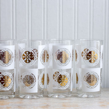 Vintage Sand Dollar Drinking Glasses - Gold White Beach House