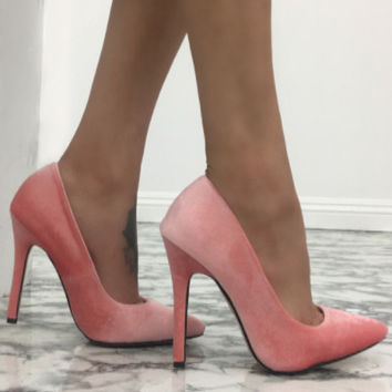 Lyla Velvet Pumps - Blush