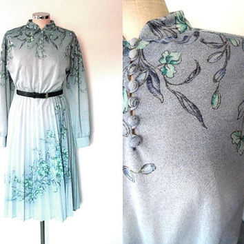 Blue trelis flower bud dress / light green / purple / button up / vintage / pleated dress / long sleeve / high collar / midi length dress