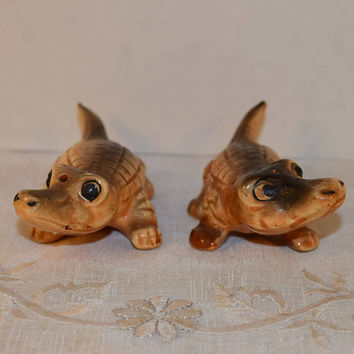 Alligator Salt & Pepper Shakers Vintage Japan Ceramic Gator Shakers Crocodile Florida Gators Mid Century Wildlife Salt Pepper Shaker Set