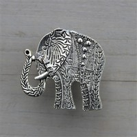 Elephant Drawer knobs / cabinet pulls in Silver Metal