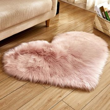 RAYUAN Love Heart Rugs Artificial Wool Sheepskin Hairy Carpet Faux Floor Mat Fur Plain Fluffy Soft Area Rug Tapetes