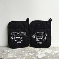 Pot holders - Beef / Pork Butcher Cuts - Butcher Diagram / Meat Cuts / Black and white -Neoprene, oven mitt, Kitchen Decor, Farm, Country