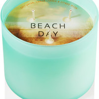 "3-Wick Candle <a href=""http://m.bathandbodyworks.com/product/index.jsp?productId=30180276&amp;cp=12586994.42390006"" data-params=""p+cp=12586994.42390006"">Wild Poppies</a>"