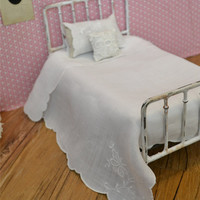 Doll Bedding White Vintage Coverlet and Pillowcase Set Blythe Barbie Playscale