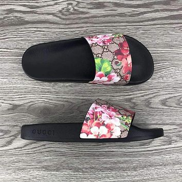 Gucci GG Fashionable cool slippers