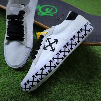 Best Online Sale Off White Vulcanised Arrows Sneakers White/Black Canvas Shoes