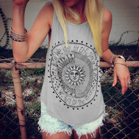 "Women's Heather Gray ""We Live By the Sun, We Fly By the Moon"" Graphic Print Tank Top"