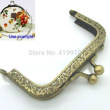Free Shipping-2PC Metal Frame Kiss Clasp For Purse Bag Parts Accessories Lock Handle DIY Handmade Antique Bronze 8.7x5.8cm J2624