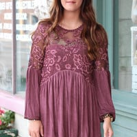 Show Off 3D Lace Acid Wash Top {Burgundy}