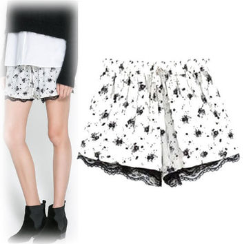 White Floral Print Lace Pleated Shorts