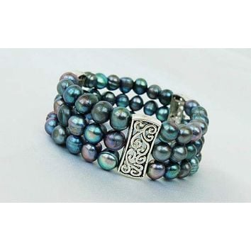 of 3 Strand Peacock Stretch Pearl Bracelet BF1005