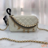 HCXX 19Aug 095 8813 WOC Fashion Egyptian Pattern Embossing Chain Quilted Bag 20CM White