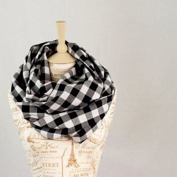 Buffalo Plaid Infinity Scarf, Black White Plaid, Cotton Circle Scarf, Fashion Cowl Scarf, Womens Scarves, Trending Scarves