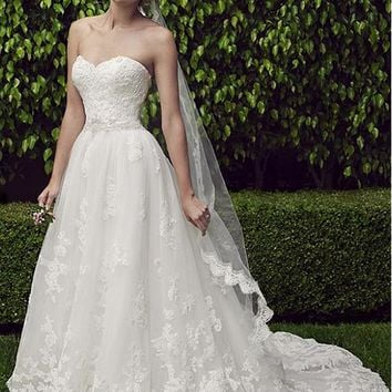[219.99] Graceful Tulle Sweetheart Neckline A-line Wedding Dresses With Lace Appliques - dressilyme.com