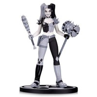 Batman Black and White Harley Quinn by Amanda Conner Statue