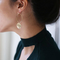 Gold two circles hoop dangle drop earrings // earrings for women