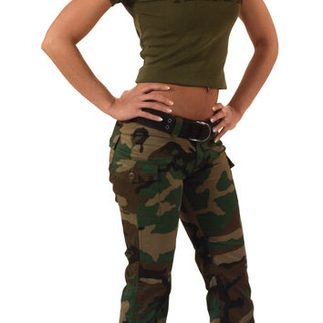 Womens Camo Capri Pants