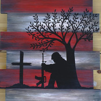 Fallen soldier pallet painting, memorial wall decor, soldier and cross silhouette, American flag wood pallet, Reclaimed American flag pallet